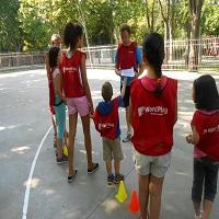Juegos en inglés en el parque Bruil.